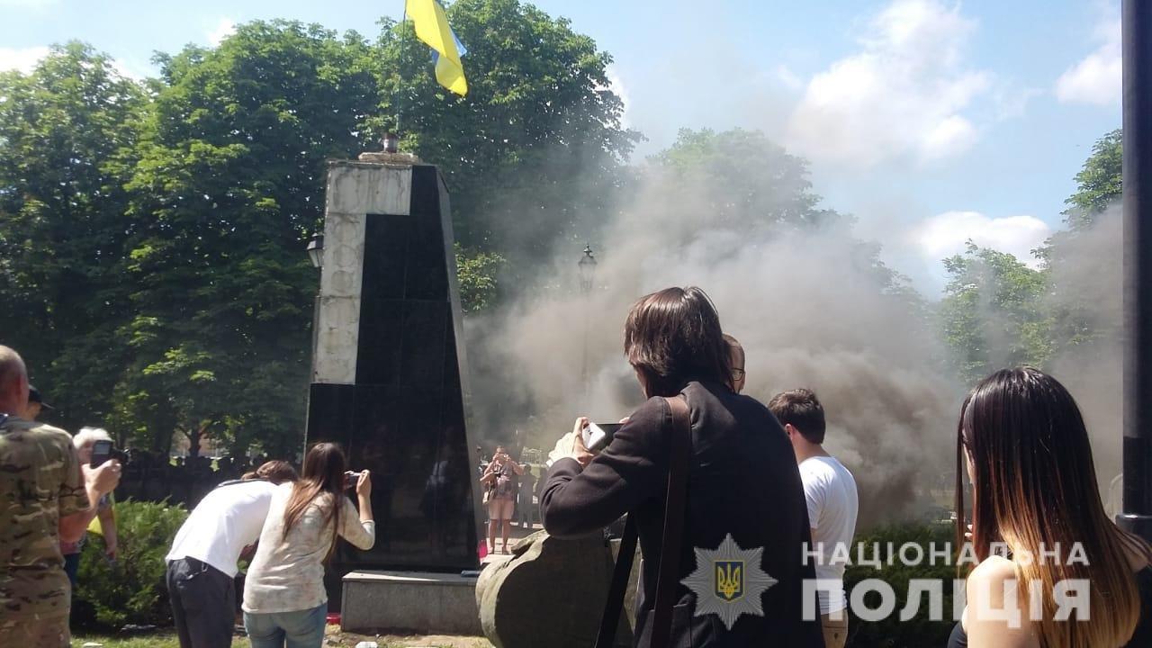 Снос памятника Жукова: пострадали несколько харьковских полицейских, - ФОТО, фото-3