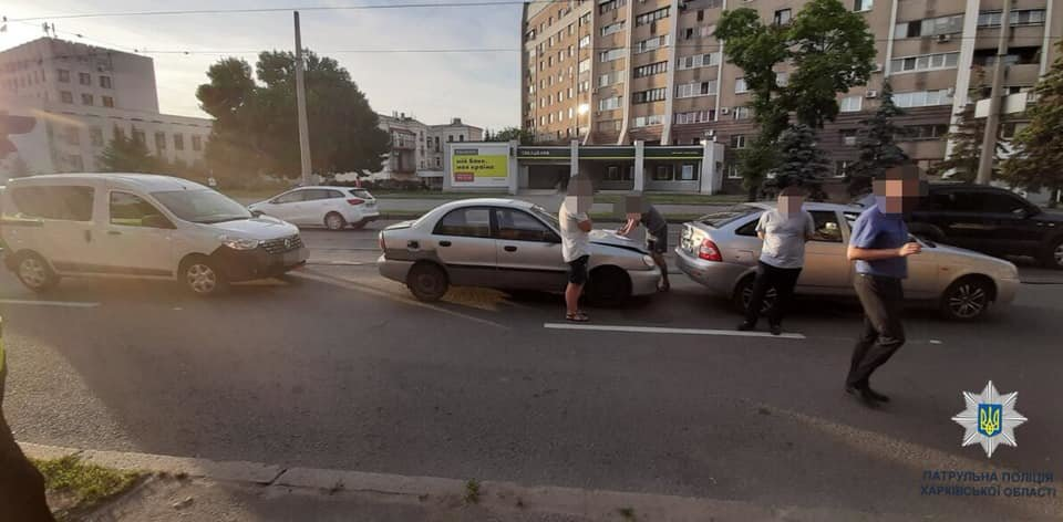В Харькове не поделили дорогу три «легковушки», - ФОТО, фото-2