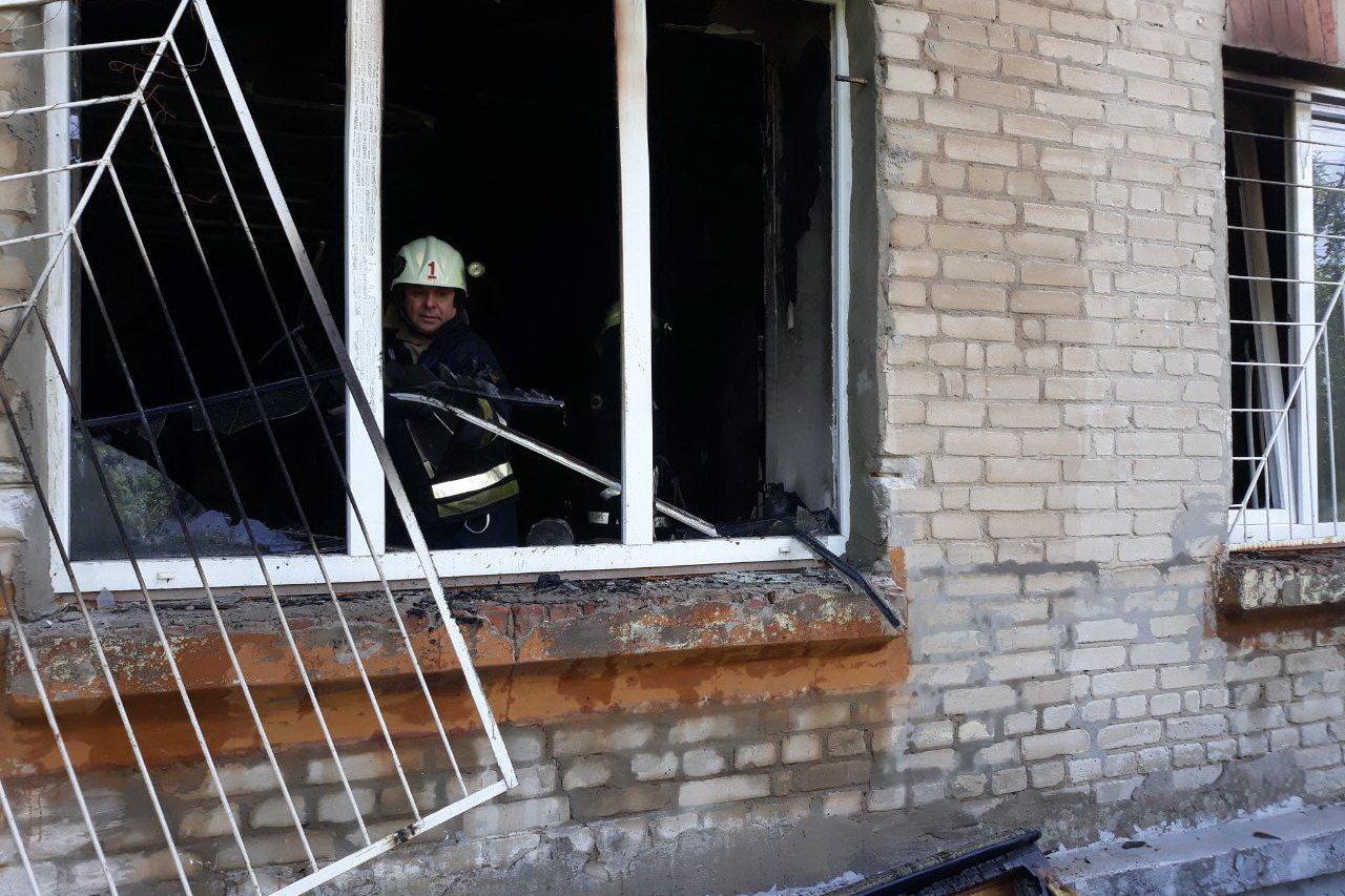 В Харькове горела квартира из-за невыключенного утюга: жильцов дома эвакуировали, - ФОТО , фото-1