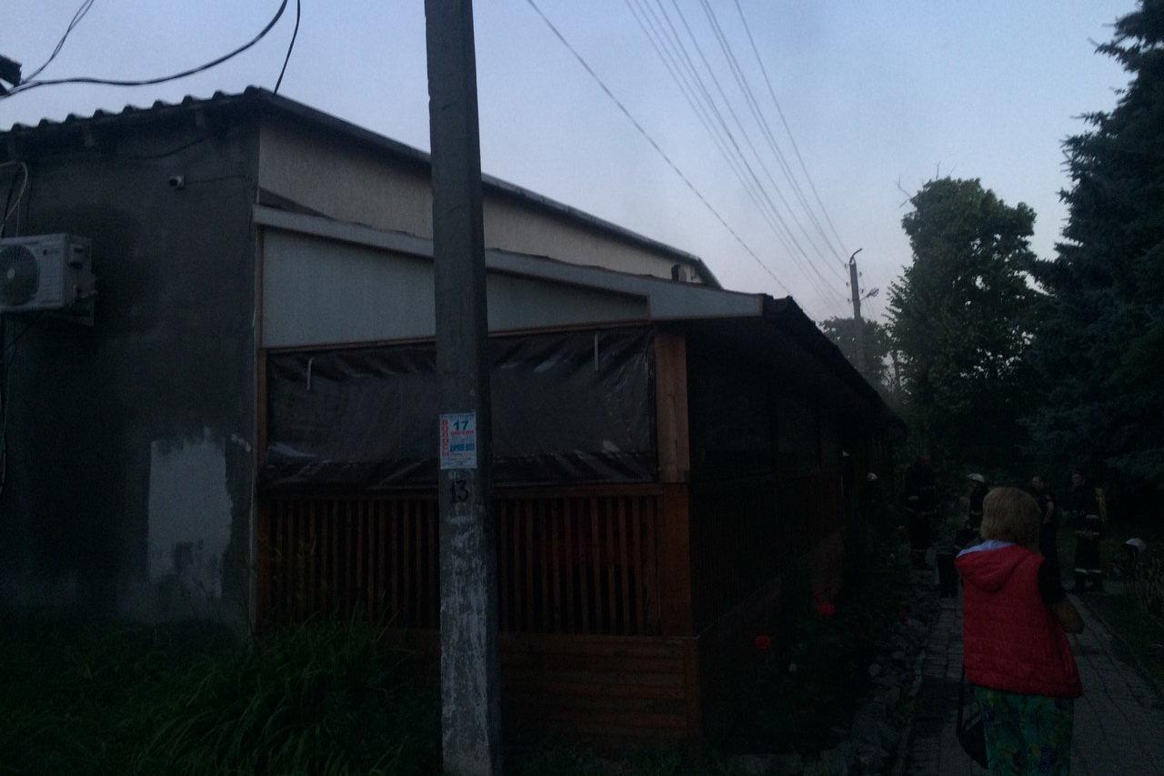 Под Харьковом из-за короткого замыкания горело кафе: работница заведения погибла, - ФОТО, фото-2