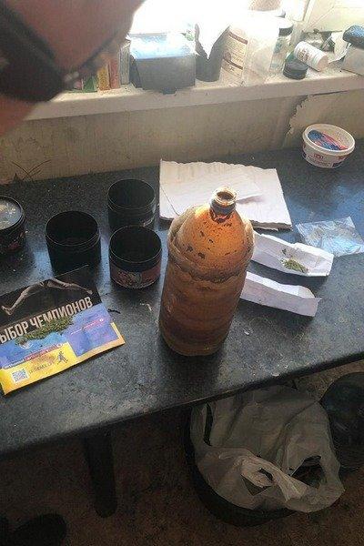 В Харькове «накрыли» наркотическую лабораторию, которую мужчина устроил у себя дома, - ФОТО, фото-6