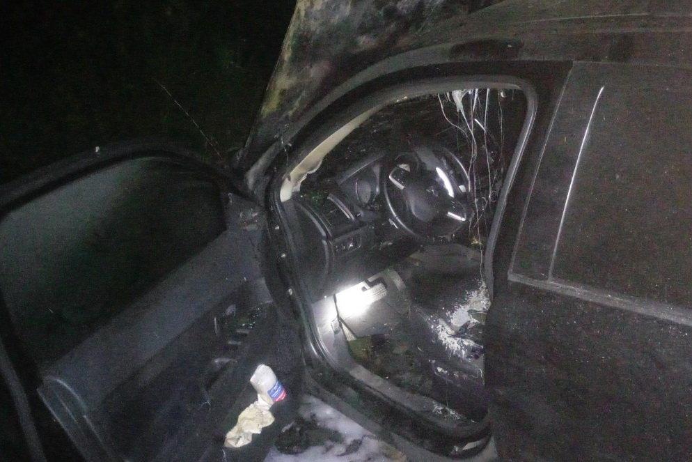 На Северной Салтовке горели три «легковушки»: одну полностью охватил огонь, - ФОТО, фото-4