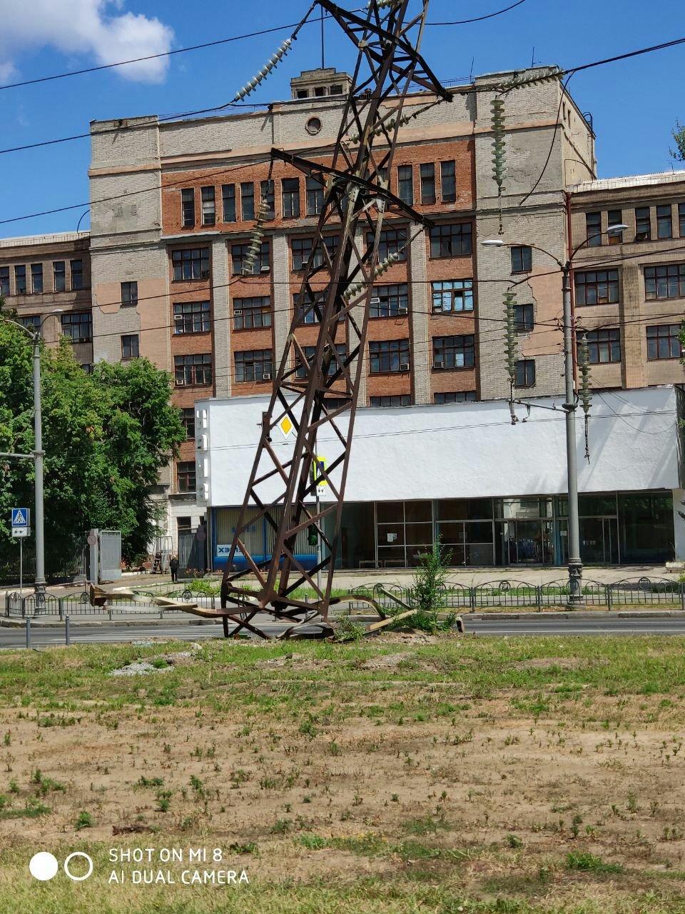 На Московском проспекте грузовик врезался в линию электропередач, - ФОТО, фото-5