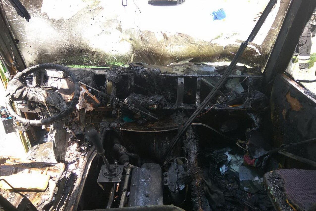 В Харькове на ходу загорелся автобус с пассажирами внутри, - ФОТО, ВИДЕО, фото-3