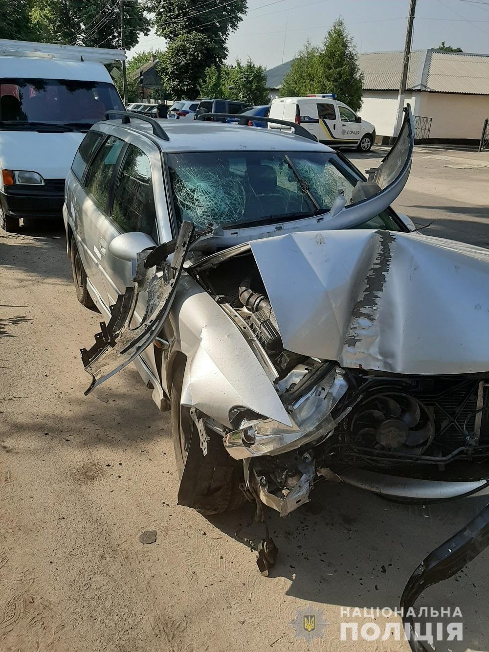 Под Харьковом пьяный водитель авто «влетел» в дерево: несколько человек пострадали, - ФОТО, фото-1