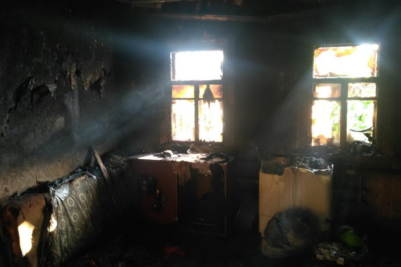 Под Харьковом загорелся частный дом: спасатели нашли труп женщины, - ФОТО, фото-2