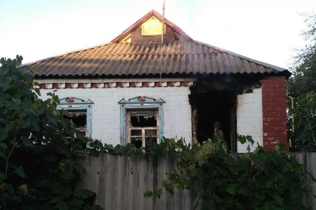 Под Харьковом загорелся частный дом: спасатели нашли труп женщины, - ФОТО, фото-1