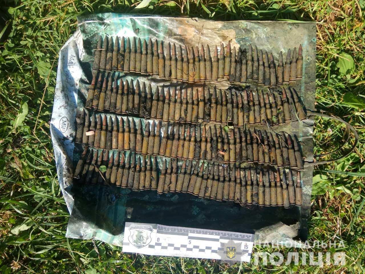 На Харьковщине возле пруда нашли 5 гранат, - ФОТО, фото-2