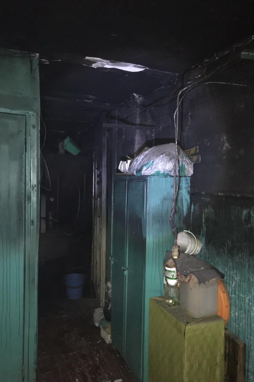 В Харькове горела квартира в «пятиэтажке»: пожарные спасли троих детей, - ФОТО, фото-2