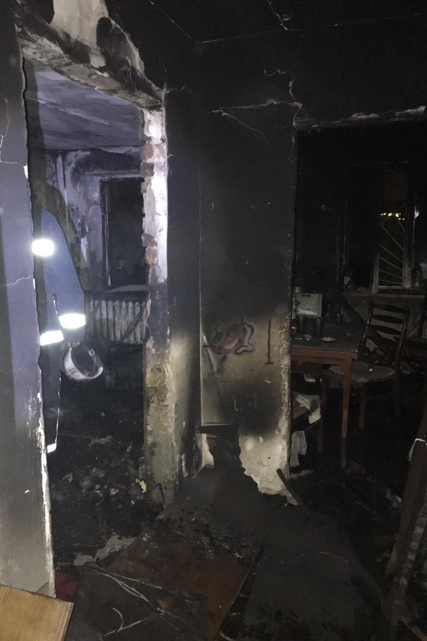 В Харькове горела квартира в «пятиэтажке»: пожарные спасли троих детей, - ФОТО, фото-3
