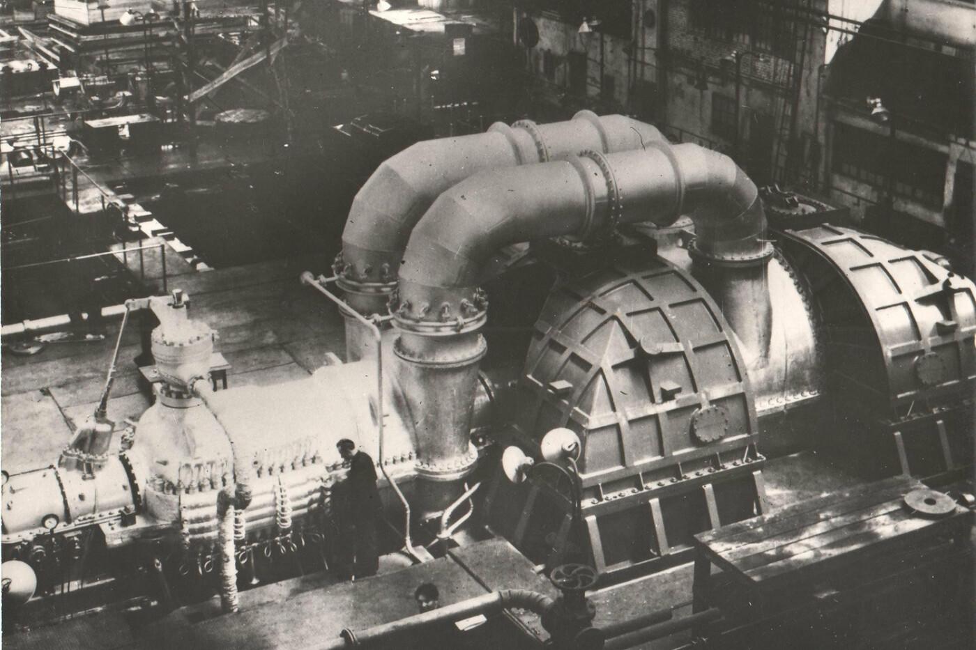 История мощнейшего харьковского завода. От изготовления оружия до восстановления города, - ФОТО, фото-10