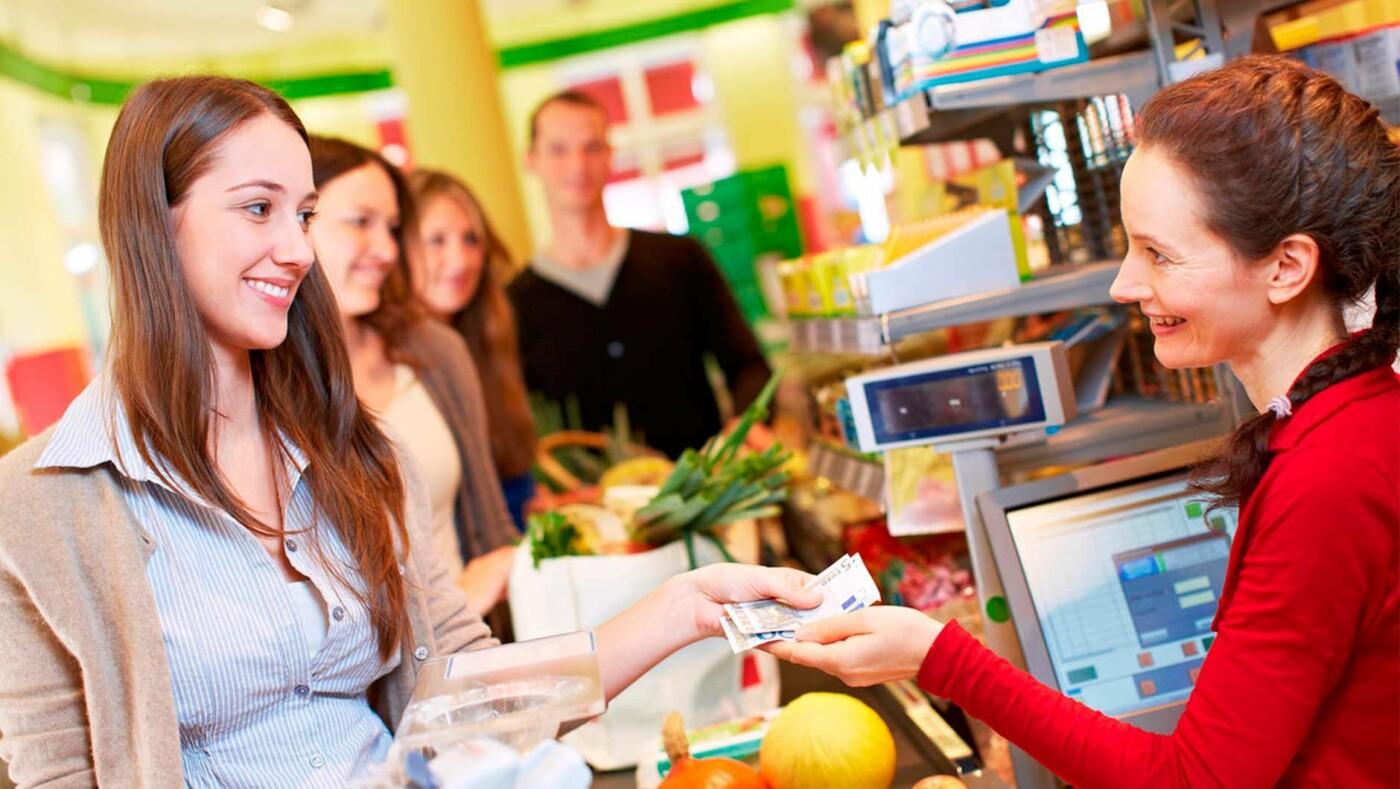 Работа продавцом в Харькове. Где открыты вакансии и сколько готовы платить работодатели, - ФОТО, фото-1