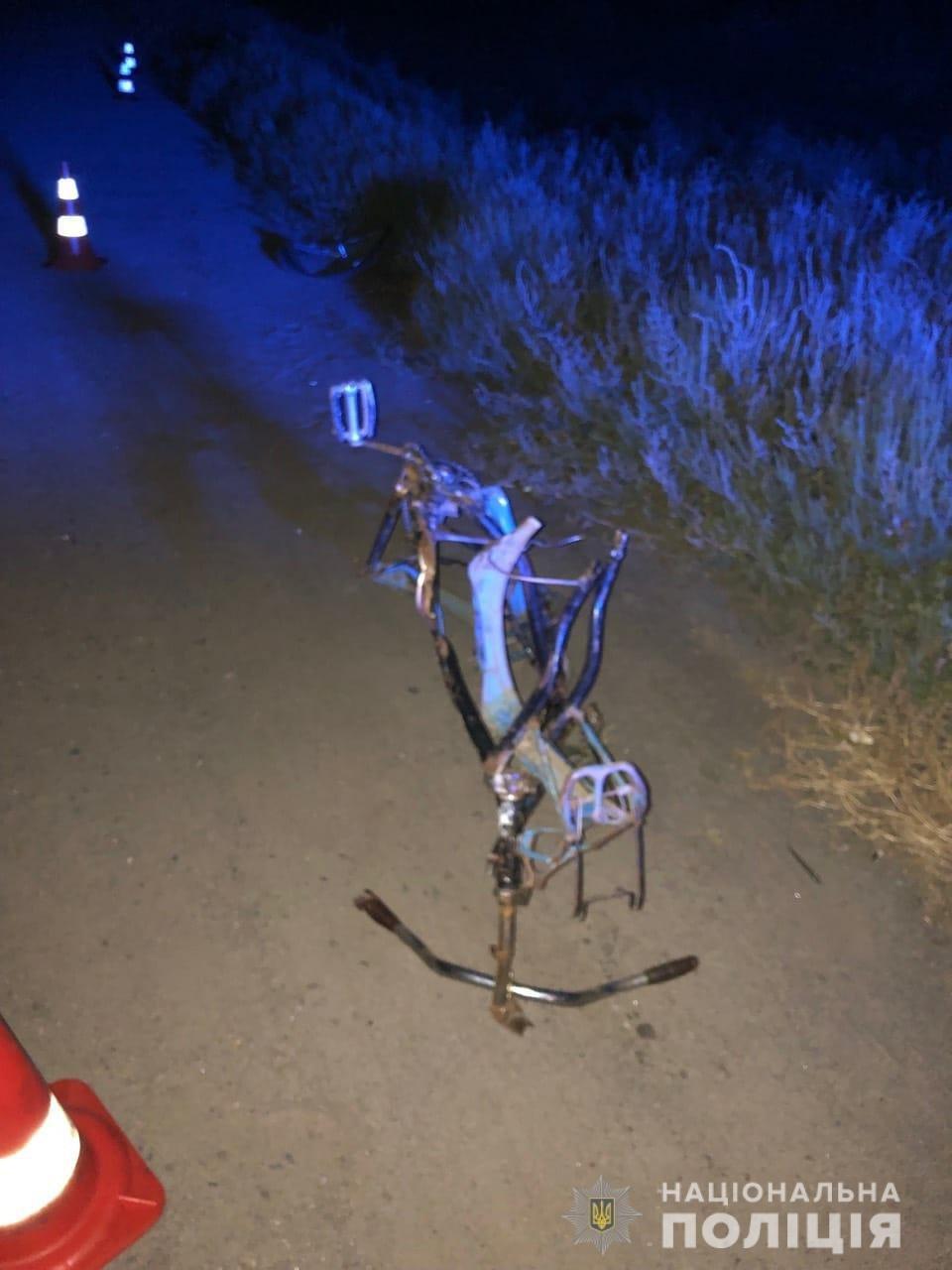На Харьковщине «ВАЗ» наехал на велосипедиста и перевернулся: есть жертва, - ФОТО, фото-3