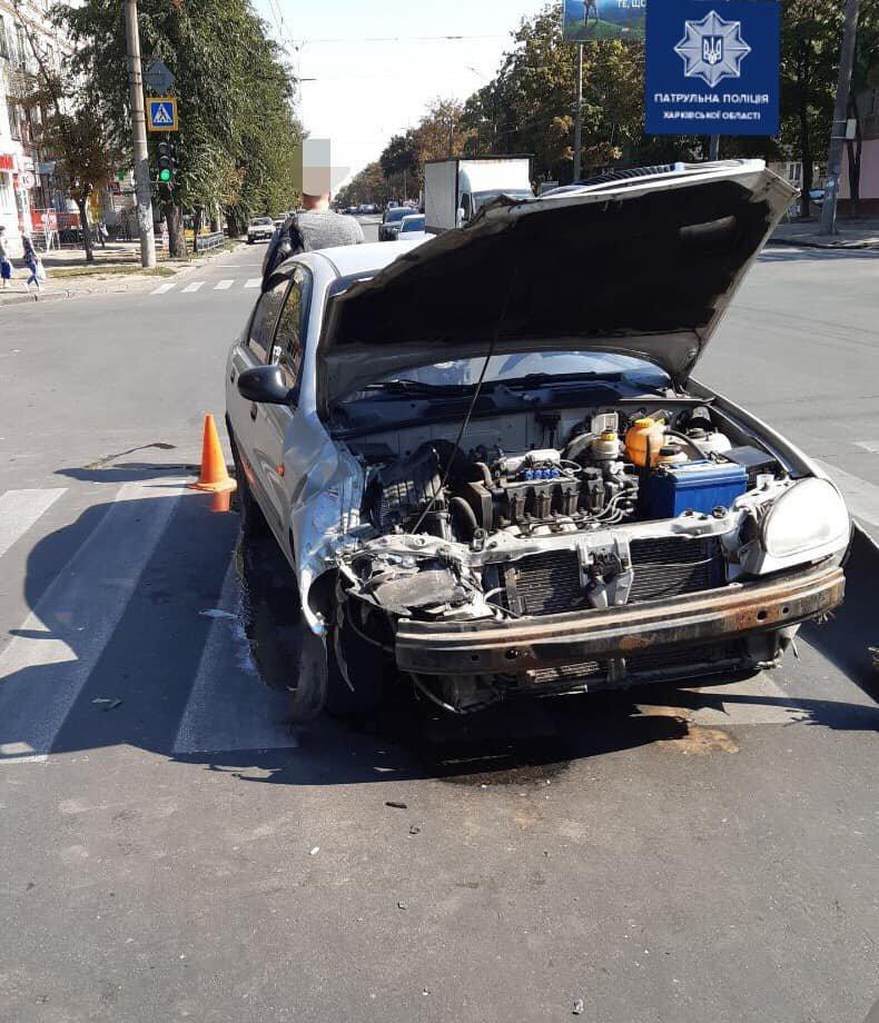 В Харькове не поделили дорогу два легковых автомобиля, - ФОТО, фото-1