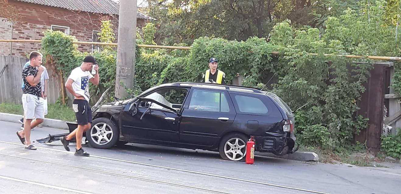 Авария в Харькове: от удара водителя и пассажира выкинуло из машины, - ФОТО, фото-2