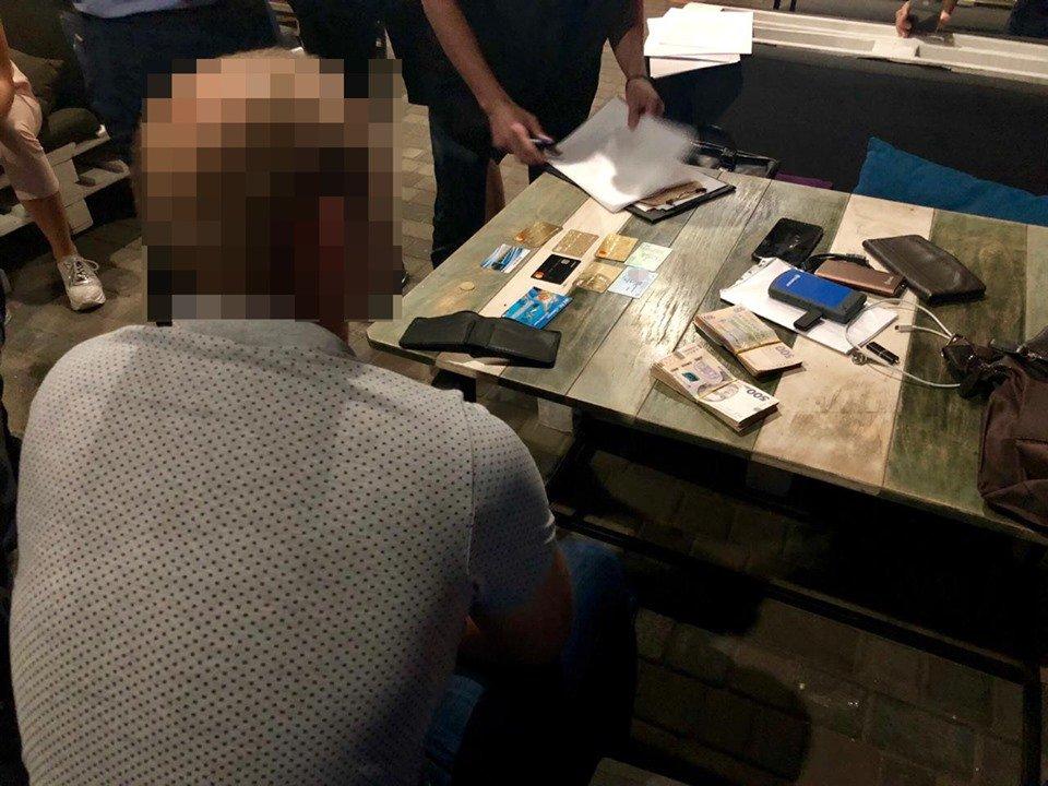 В Харькове СБУ задержала капитана полиции, требовавшего взятку у адвоката, - ФОТО, фото-3