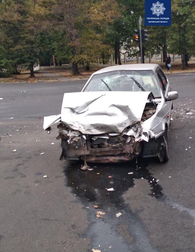 На Героев Сталинграда столкнулись два легковых автомобиля: есть пострадавшие, - ФОТО, фото-1