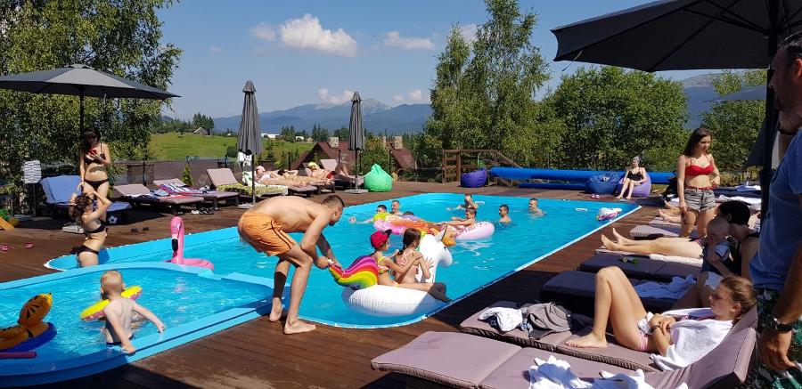 Высокогорный бассейн в Украине на высоте более тысячи метров: в Good Days Shale Resort зарегистрировали официальный рекорд, фото-2
