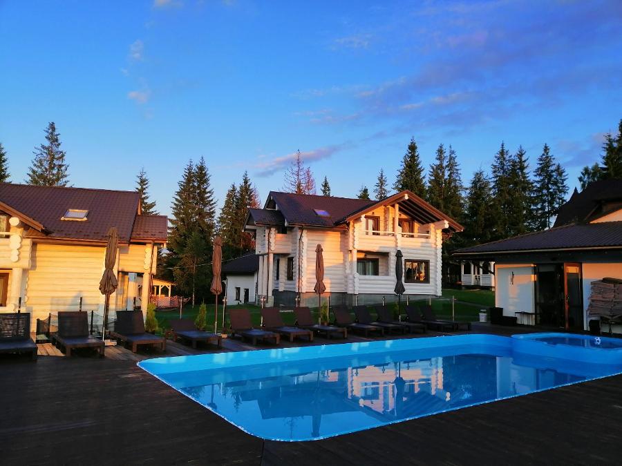 Высокогорный бассейн в Украине на высоте более тысячи метров: в Good Days Shale Resort зарегистрировали официальный рекорд, фото-5