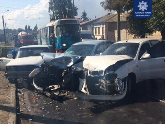 В Харькове не разминулись три авто: пострадал один человек, - ФОТО, фото-1