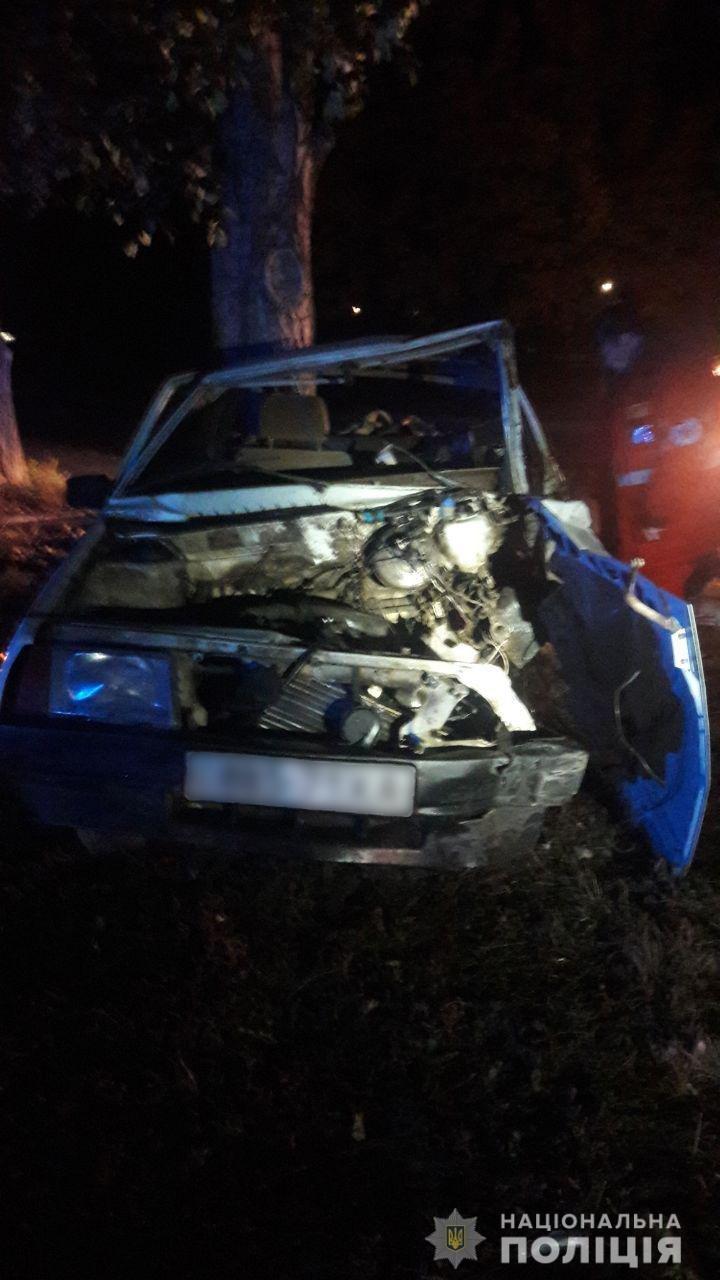 В Харькове пьяный водитель на «ВАЗ» врезался в столб и дерево. Мужчина погиб, - ФОТО, фото-2