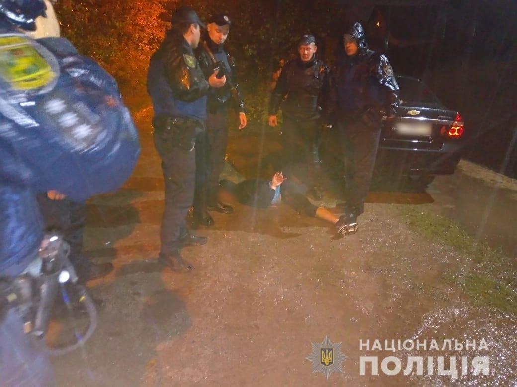 В Харькове задеражли военного, который угрожал взорвать гранату возле дома, - ФОТО, фото-3