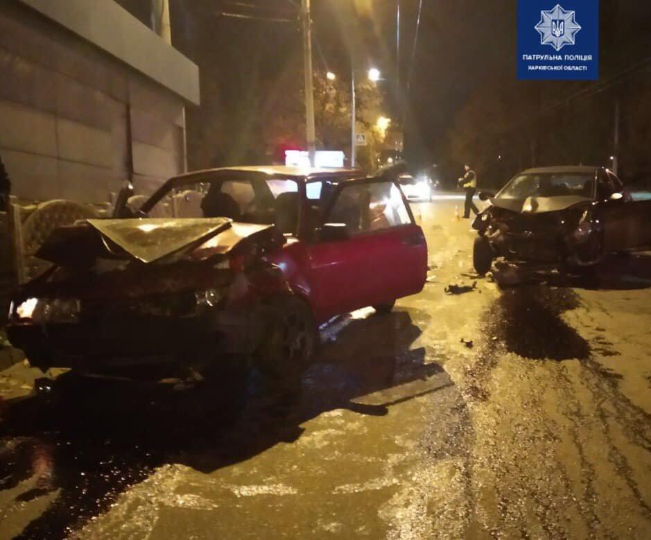 В Харькове не разминулись два легковых авто: четыре человека госпитализированы, - ФОТО, фото-1