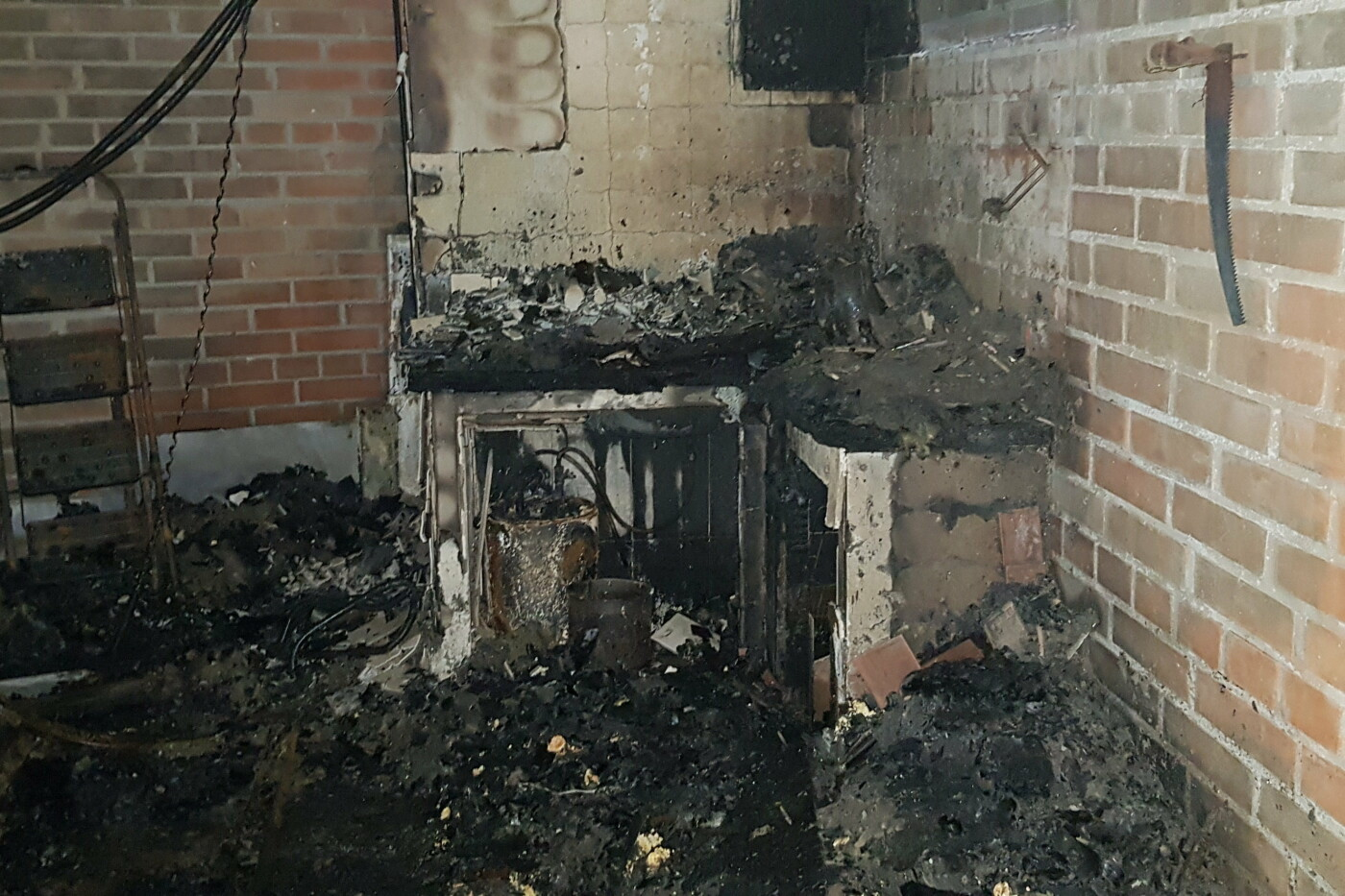 Под Харьковом случился масштабный пожар в двухэтажном коттедже: есть пострадавший, - ФОТО, ВИДЕО, фото-5