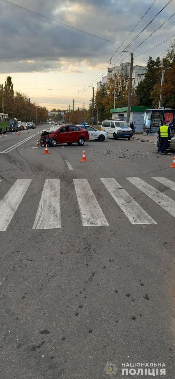 В лобовом столкновении машин на ХТЗ пострадала полуторагодовалая девочка, - ФОТО, фото-3