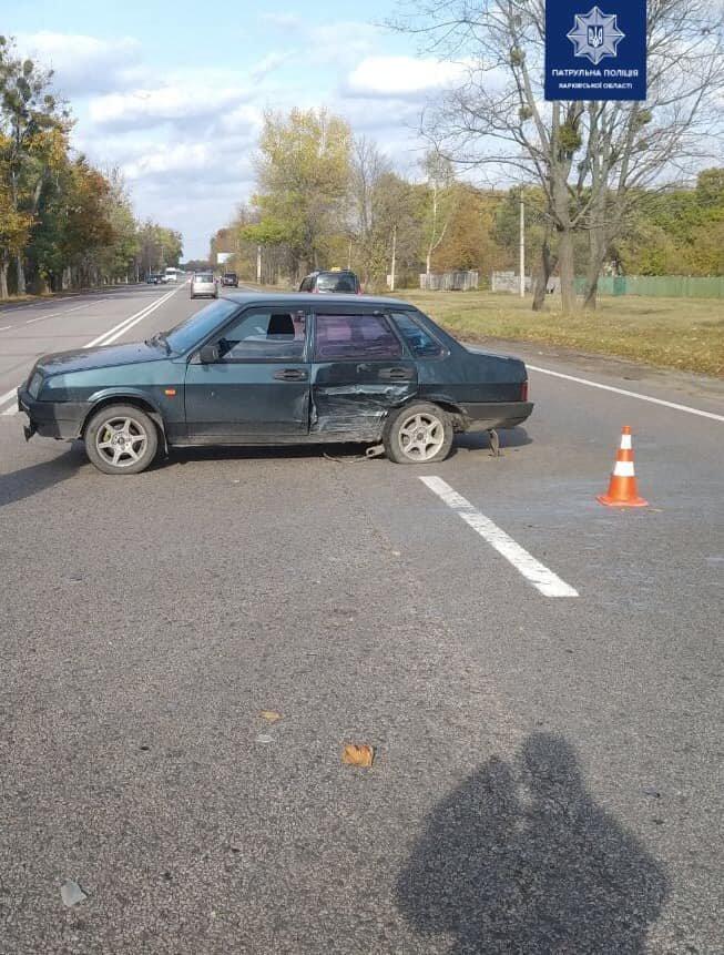 На перекрестке в Харькове столкнулись два легковых автомобиля, - ФОТО, фото-2
