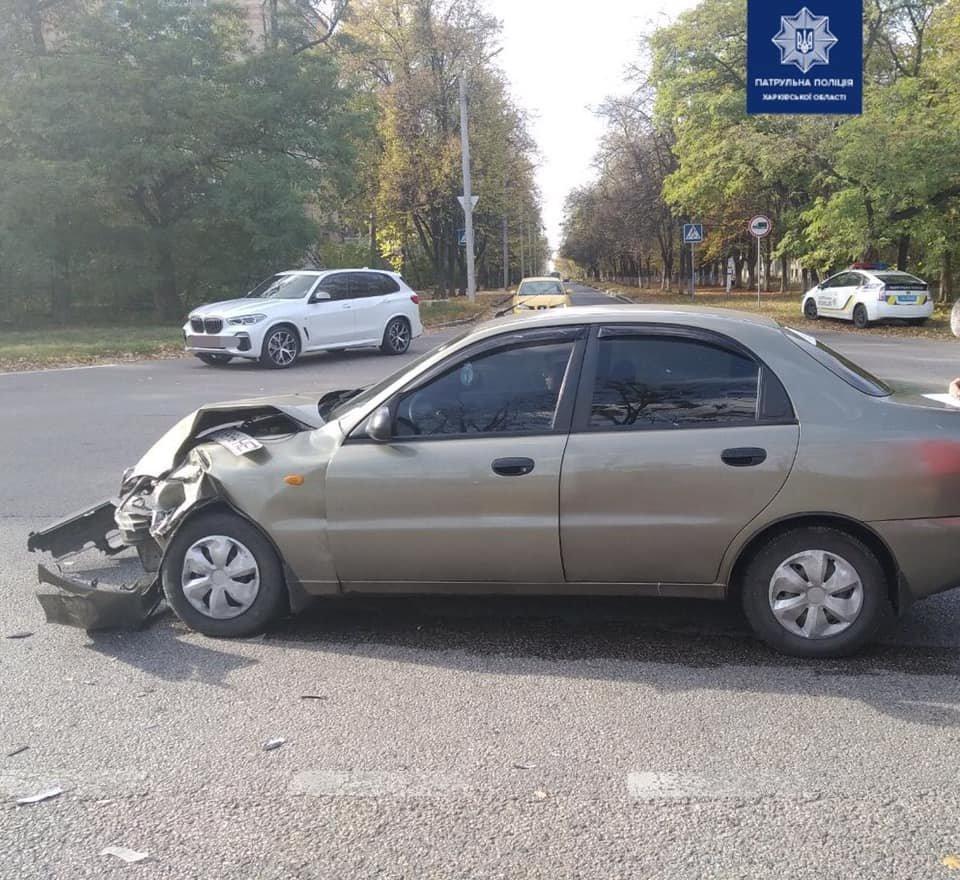 На перекрестке в Харькове столкнулись два легковых автомобиля, - ФОТО, фото-1