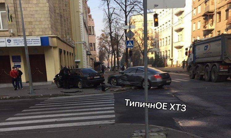 """На Чернышевской столкнулись """"Volkswagen"""" """"Honda"""". Пострадал один из водителей, - ФОТО, фото-1"""
