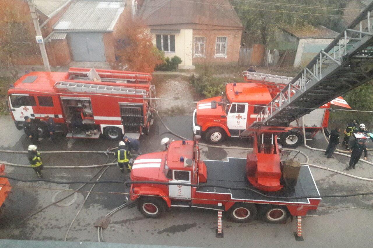 В Харькове спасатели несколько часов тушили масштабный пожар в отеле: эвакуированы три человека, - ФОТО, ВИДЕО, фото-2