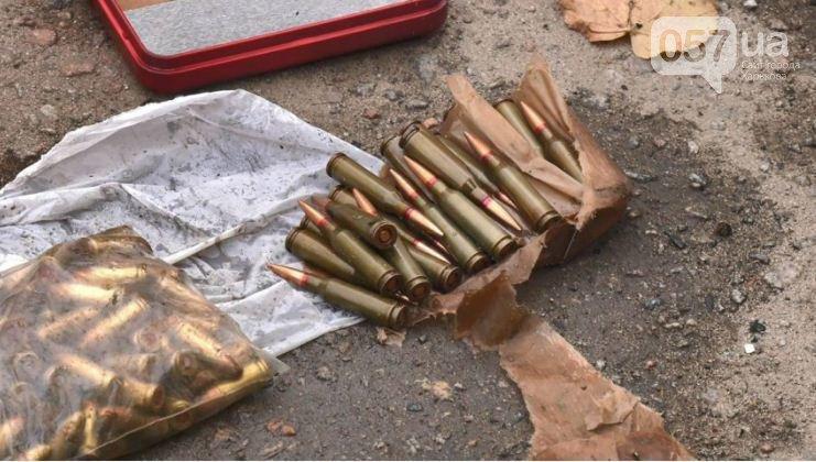 Парик, автомат и патроны: что нашли в машине подорвавшегося на ЮЖД стрелка, - ФОТО, фото-9