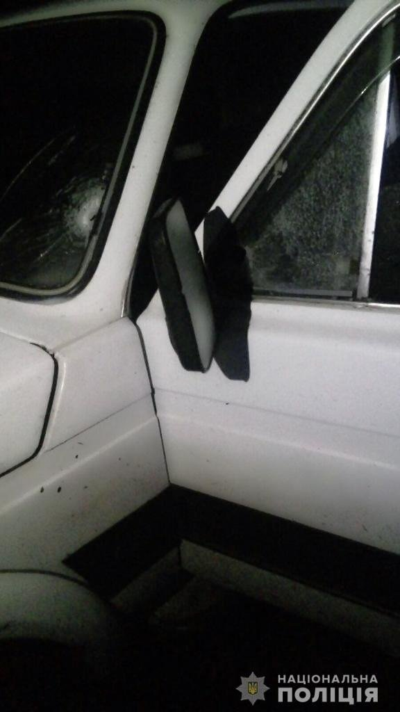 На Харьковщине неизвестные обстреляли автомобиль активиста, - ФОТО, фото-2