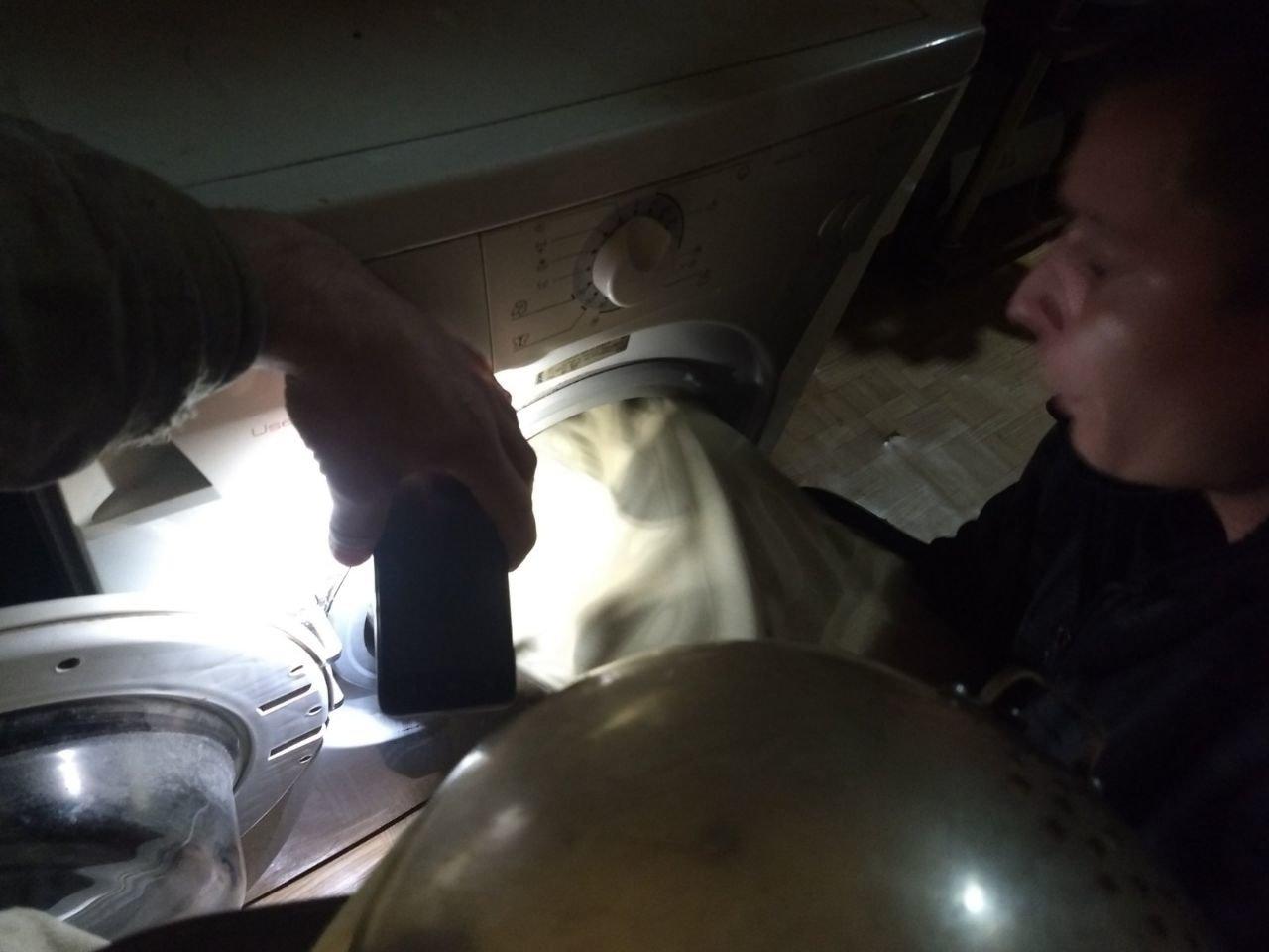 На Харьковщине спасатели помогли ребенку, который застрял в стиральной машине, - ФОТО, фото-1