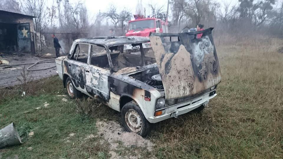 На Харківщині через коротке замикання загорілися гараж та легкове авто, - ФОТО, фото-1