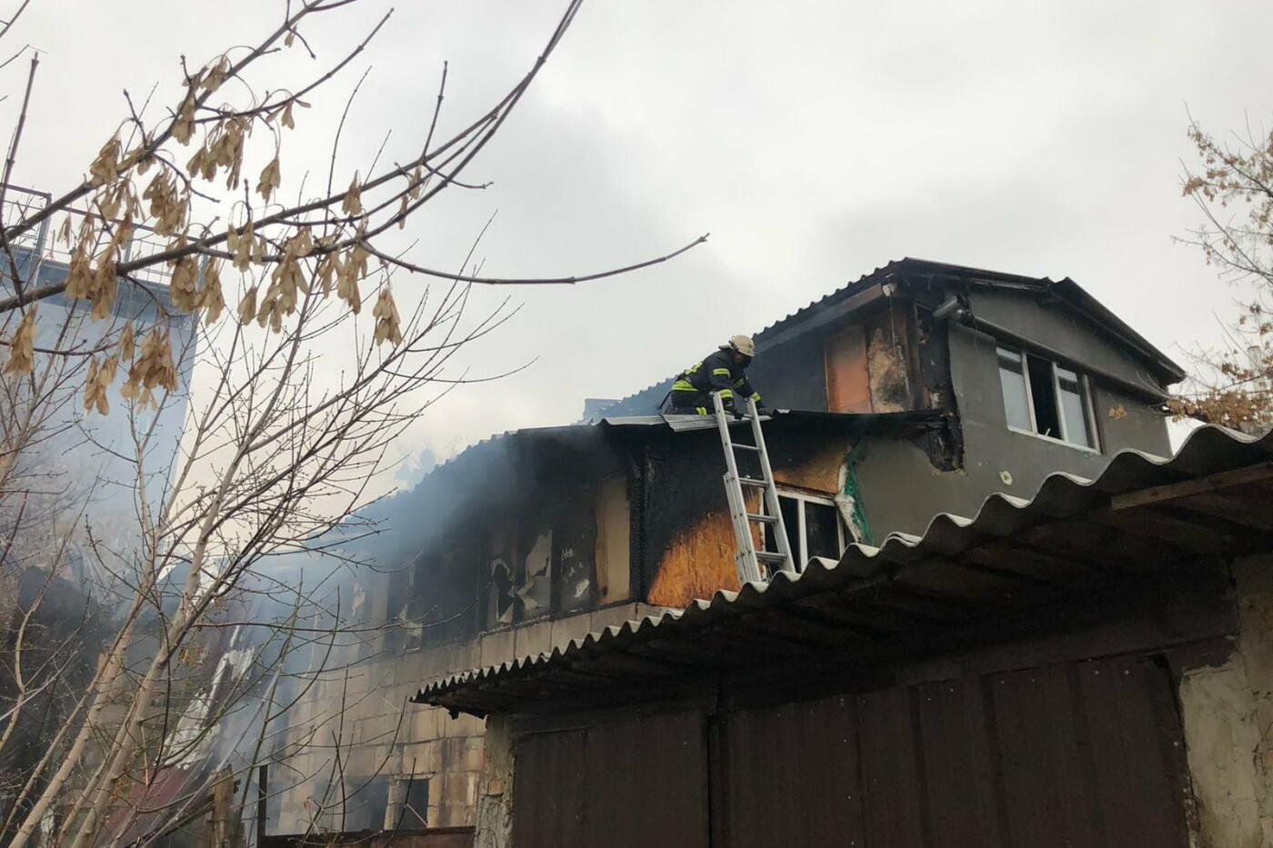 В Харькове горел жилой дом: 81-летний пенсионер едва не погиб, - ФОТО, фото-2