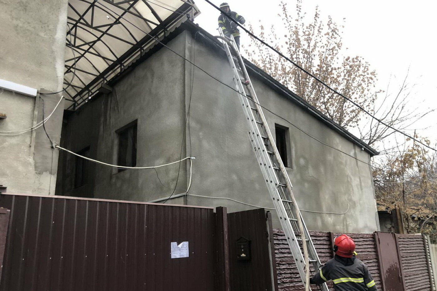 В Харькове горел жилой дом: 81-летний пенсионер едва не погиб, - ФОТО, фото-3
