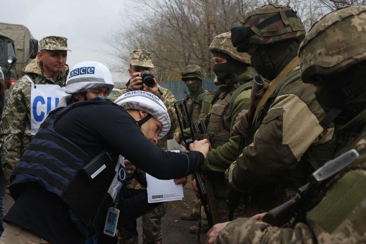 Победа или поражение. Почему Зеленский решил отвести войска на Донбассе, - ФОТО, ВИДЕО, фото-9