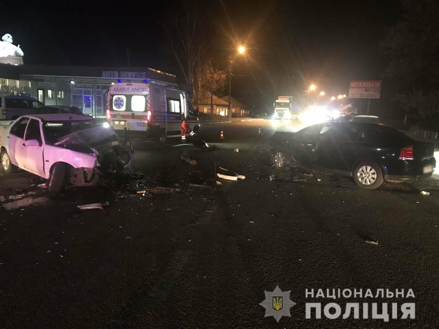 Под Харьковом «Opel» въехал в «Renault»: одно из авто разорвало, два человека в больнице, - ФОТО, ВИДЕО, фото-3