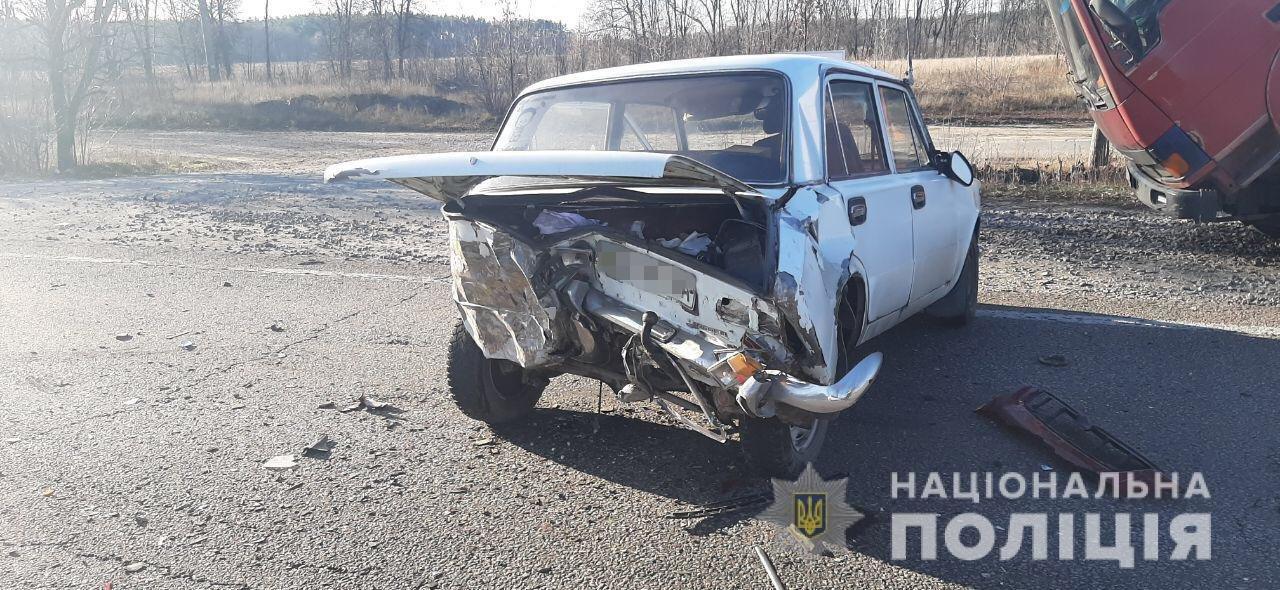 На трассе под Харьковом столкнулись «Ford» и «ВАЗ». Пострадала женщина, - ФОТО, фото-2