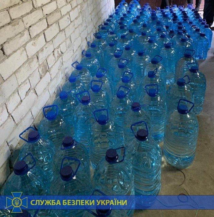 Четыре тонны спирта и оборудование: под Харьковом «накрыли» подпольное производство контрафактного алкоголя на полмиллиона, - ФОТО, фото-8