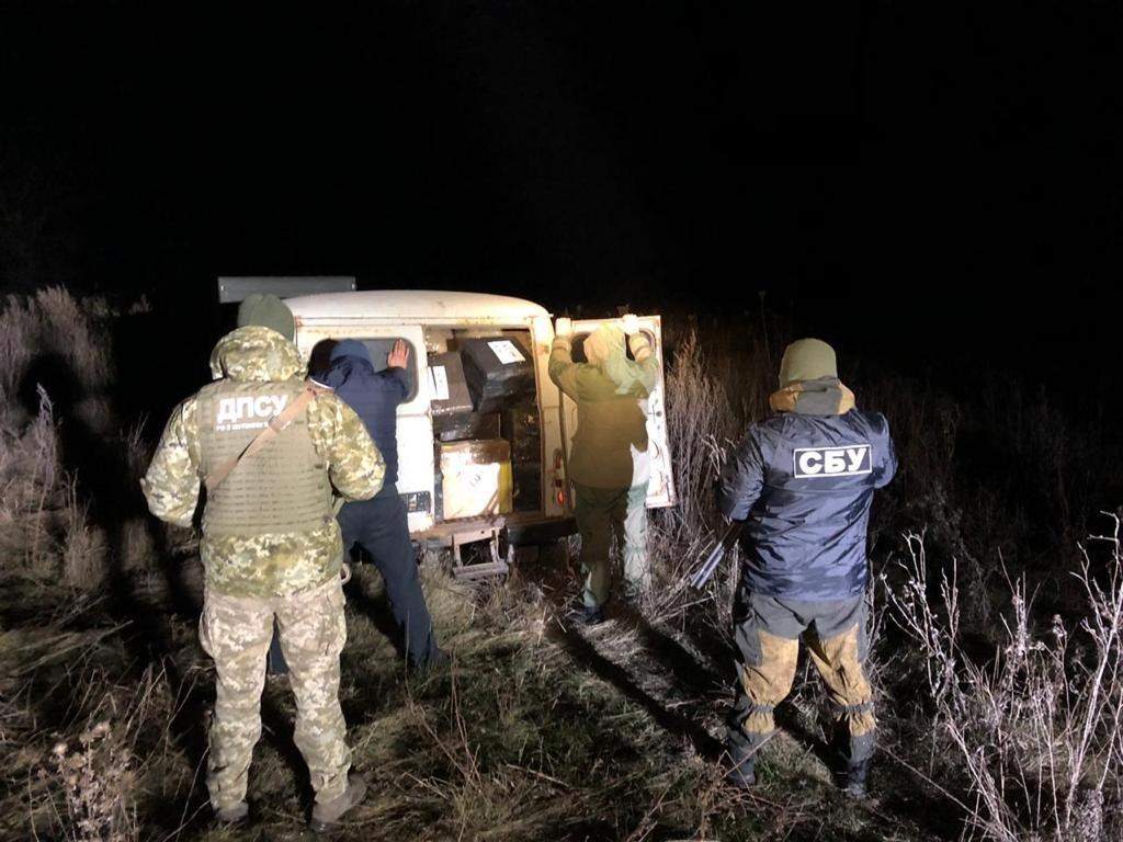 На Харьковщине силовики «накрыли» преступную группировку, переправлявшую товары через границу в РФ, фото-1