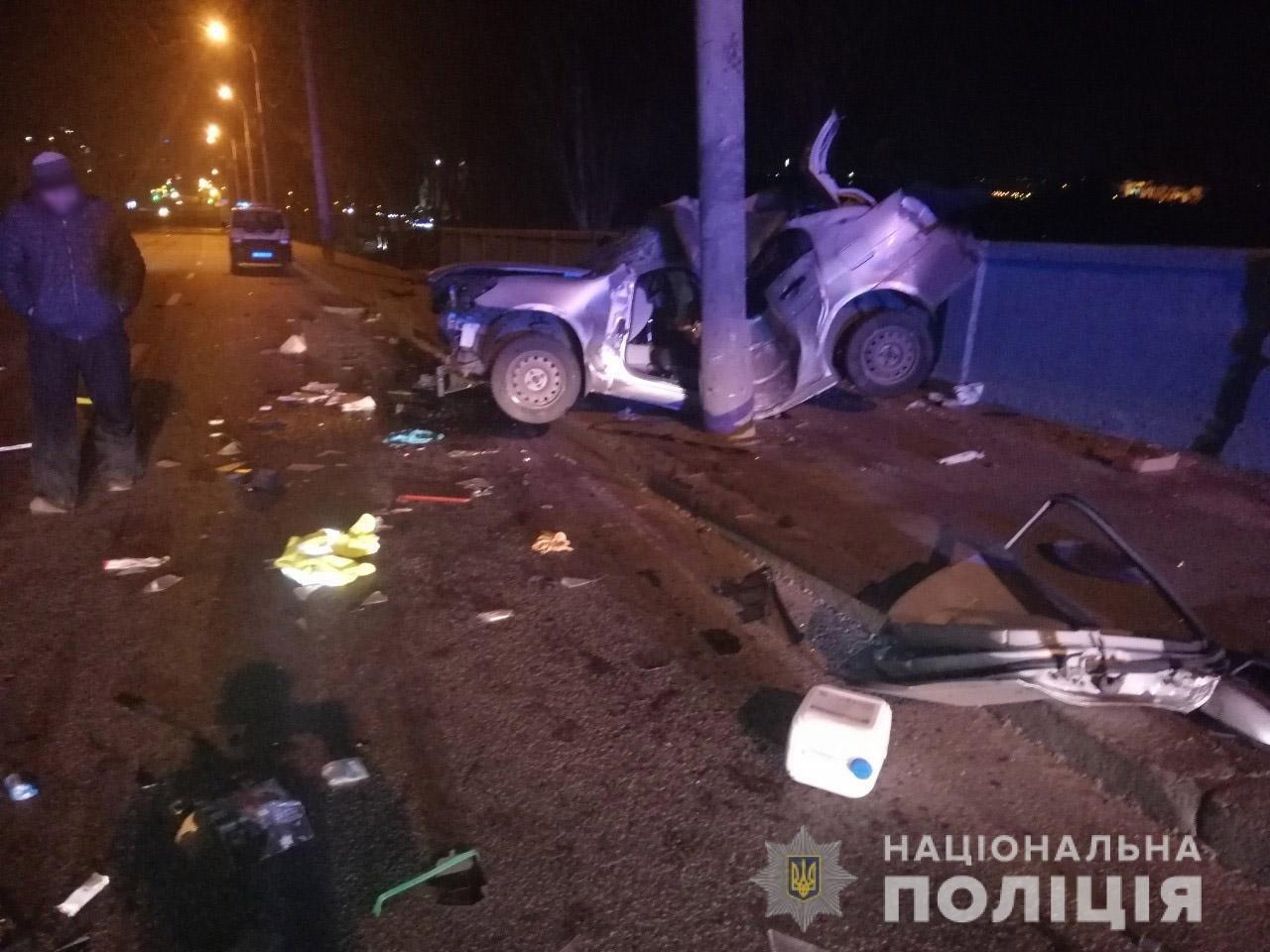 В Харькове «Hyundai» влетел в столб: спасатели вырезали травмированного водителя из «смятого» авто, - ФОТО, фото-3