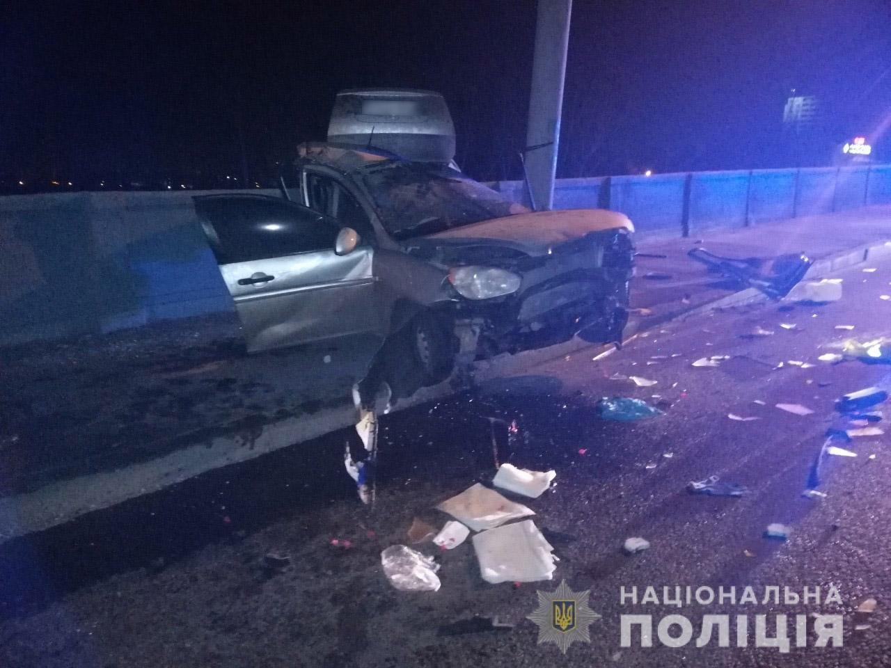 В Харькове «Hyundai» влетел в столб: спасатели вырезали травмированного водителя из «смятого» авто, - ФОТО, фото-5
