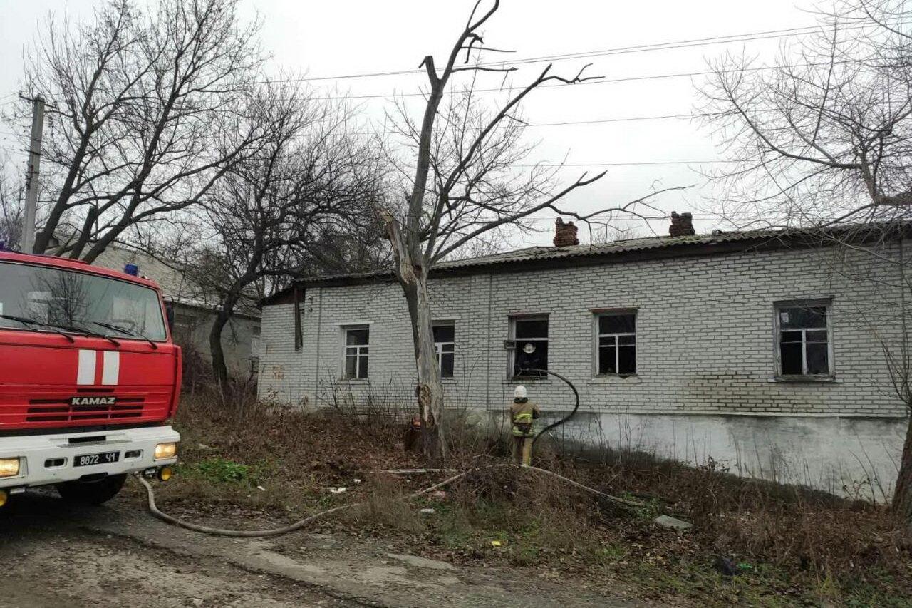 Нашли обгоревшее тело на матрасе: на Харьковщине спасатели тушили пожар в частном доме, - ФОТО, фото-1