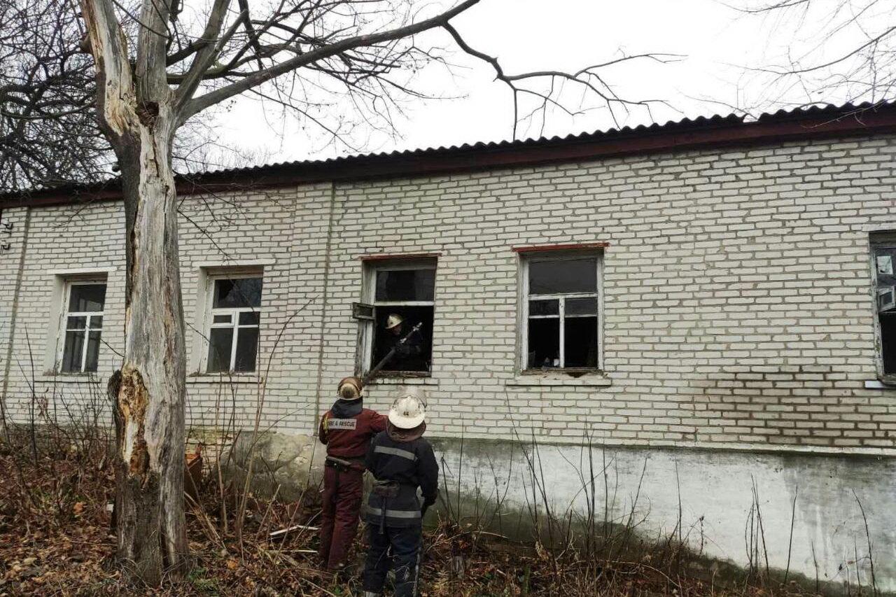 Нашли обгоревшее тело на матрасе: на Харьковщине спасатели тушили пожар в частном доме, - ФОТО, фото-2