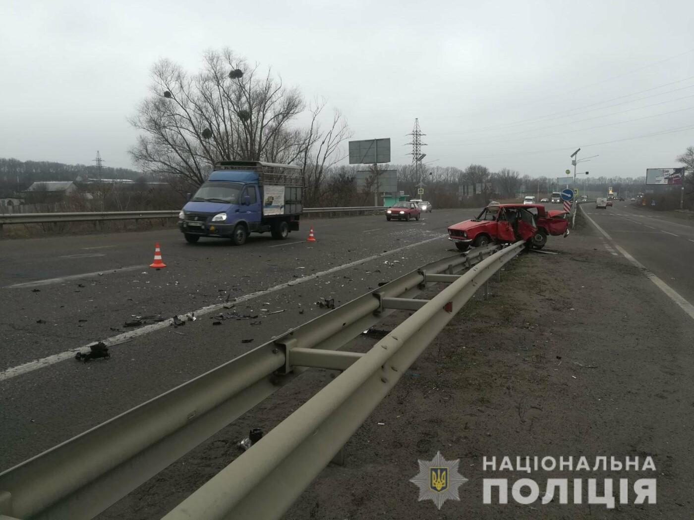 На Харьковщине «Renault» врезался в разворачивающийся «ВАЗ»: погиб водитель одного из авто, - ФОТО, фото-1