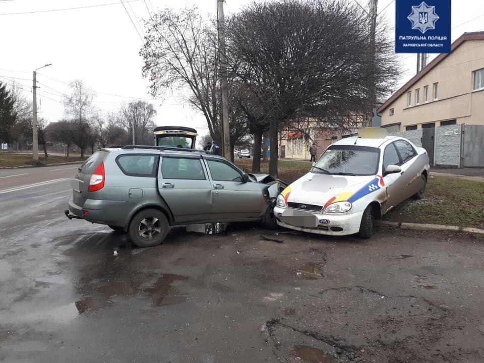 """На Холодногорской столкнулись такси и """"ВАЗ"""", - ФОТО, фото-2"""